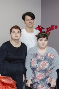 Zdjęcie grupowe. Trzy kobiety.